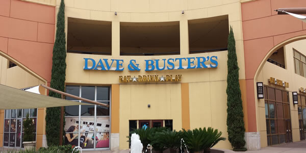 Dave and Buster's Entrance